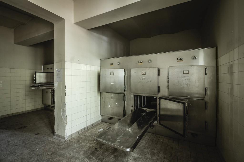 verlassene Leichenhalle urban exploration