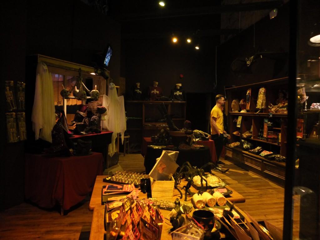 shop im Grusellbyrinth